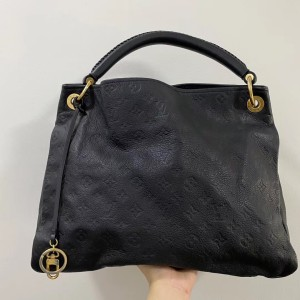 Louis Vuitton artsy手提包