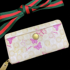COACH 蔻驰奶茶色&芭比粉蝴蝶泡泡长款拉链钱包