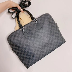 Louis Vuitton公文包