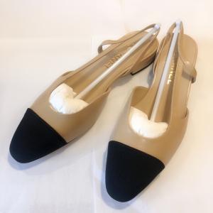CHANEL 香奈儿米黑平底鞋