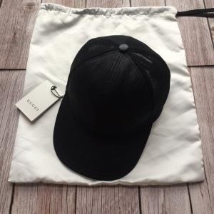 GUCCI古驰全新男女同款黑色镂空防水帆布经典logo压纹鸭舌帽