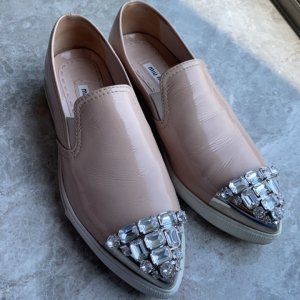 Miu Miu女士休闲鞋
