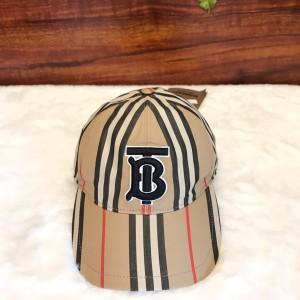 Burberry博柏利TB标棒球帽