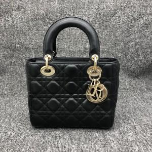Dior 迪奥戴妃包黑色四格徽章手提包