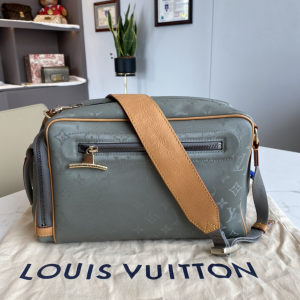 Louis Vuitton 路易威登单肩包