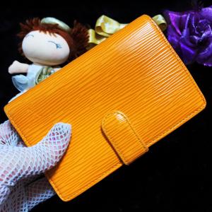 Louis Vuitton 路易·威登活力橙水波纹牛皮搭扣款双面中长款钱包