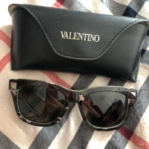 Valentino华伦天奴墨镜