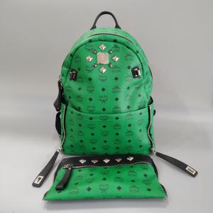 MCM 绿色子母柳钉双肩包