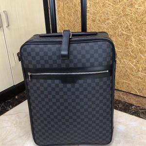 Louis Vuitton 路易·威登旅行箱