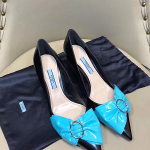 PRADA 普拉达女士低/中跟鞋