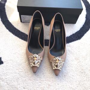 Versace范思哲经典款女士低跟鞋