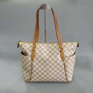 Louis Vuitton白棋盘格 女士单肩包