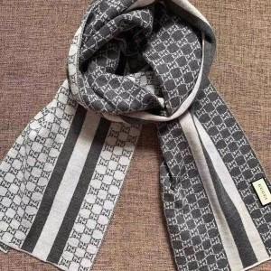 GUCCI古驰灰色双面羊毛围巾