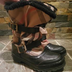 Burberry博柏利靴子
