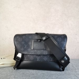 Louis Vuitton 路易·威登男士黑老花voyager小号双扣邮差包单肩包
