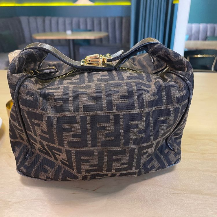 FENDI芬迪手提包fendi饭盒包(大号)