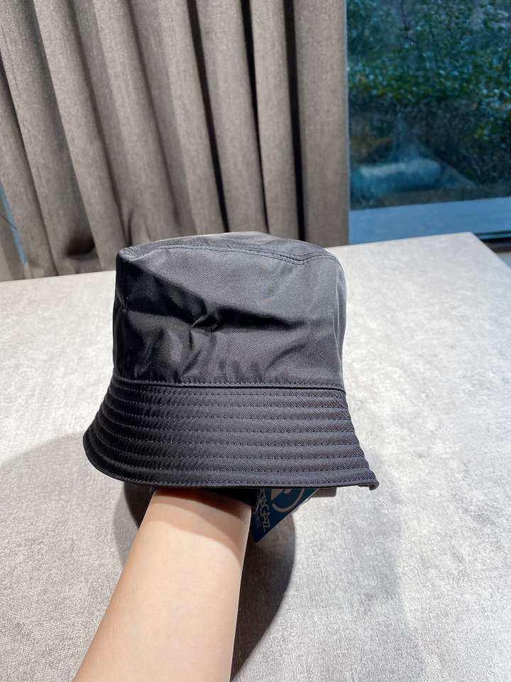 PRADA普拉达帽子黑色尼龙布三角标渔夫帽