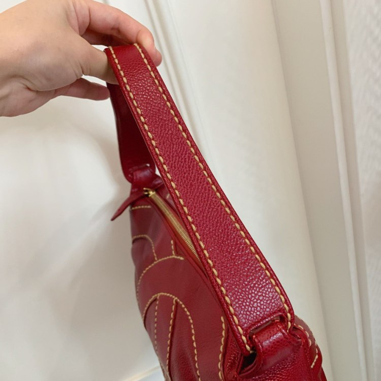 CHANEL香奈儿女士手提包Chanel 外缝线大logo腋下包